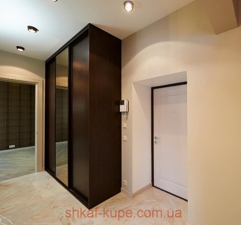 трехдверный шкаф купе в коридор