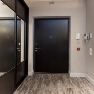 черный шкаф в коридор на заказ