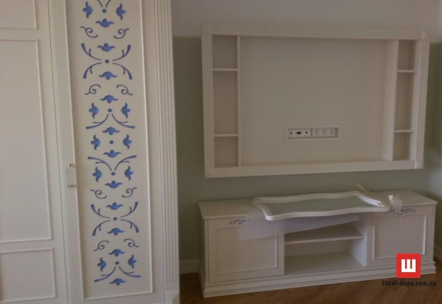 авторский шкаф-купе из дерева на заказ в Спальню Фастов