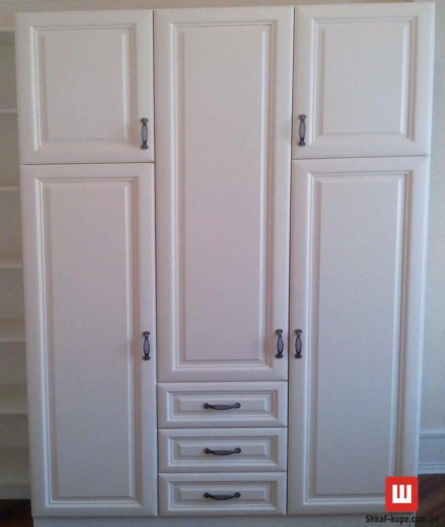 шкаф белый из ясеня в спальню под заказ Киев