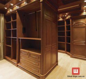 деревянный шкаф-купе в гардеробную