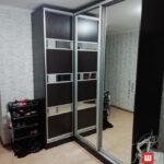 Угловой шкаф купе в коридор на заказ