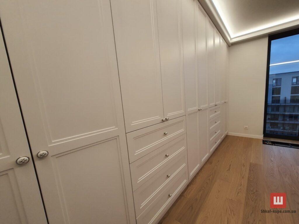встроенный угловой шкаф под заказ в Киеве