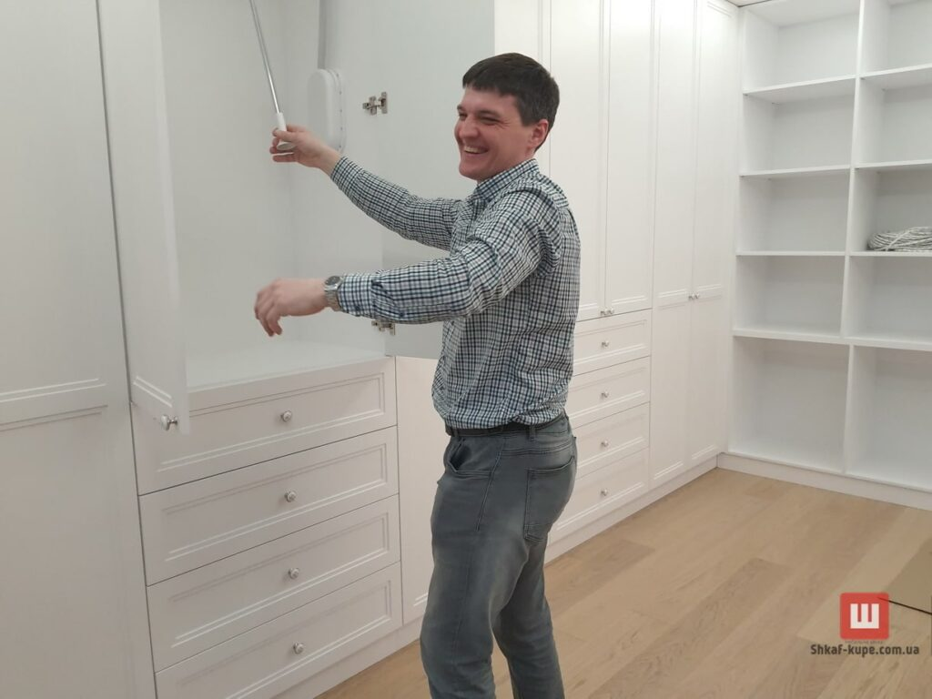 изготовление встроенной мебели под заказ