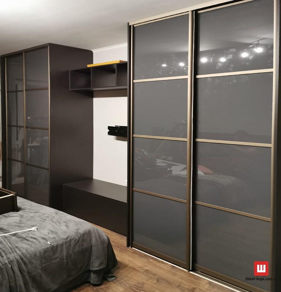 дизайнерский шкаф-купе в спальню на заказ Бровары
