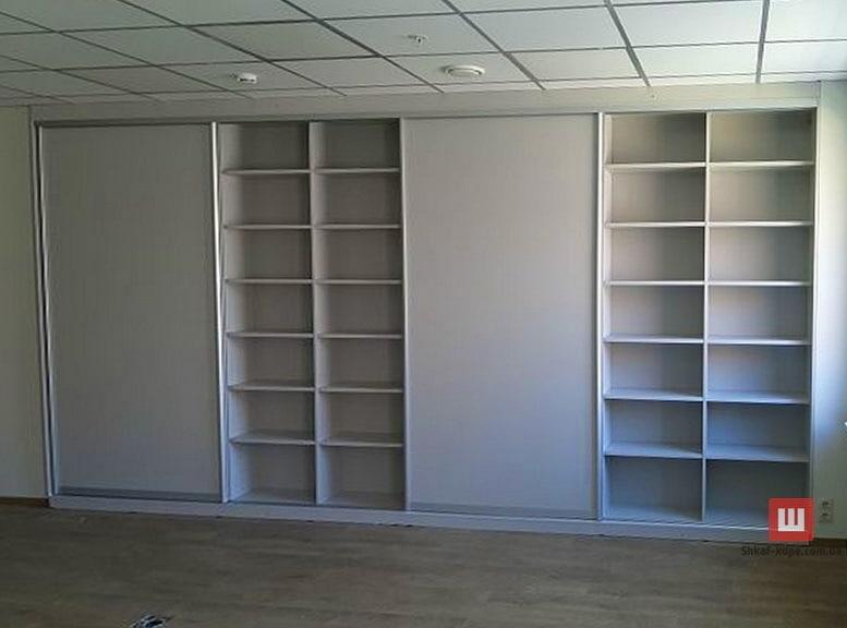 офисныый встроенный шкаф с раздвижными дверями на заказ в Борисполе