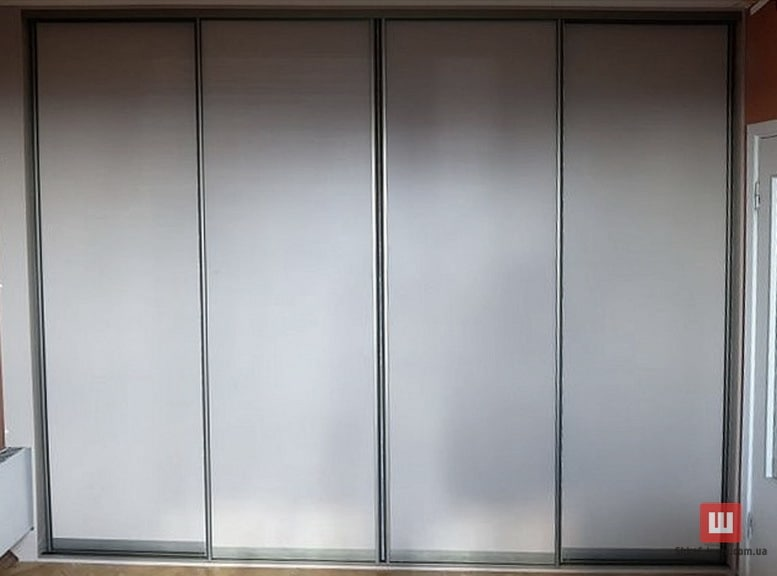 встроенный шкаф с раздвижными дверями на заказ в Борисполе